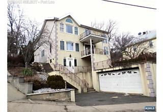 Photo of 809 Edgewater Avenue Ridgefield, NJ