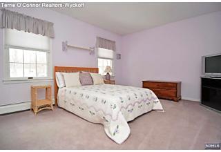 Photo of 31 Manor Road Wyckoff, NJ