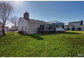Photo of 1045 Luhman Terrace Secaucus, NJ
