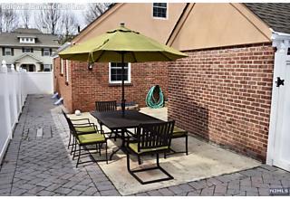 Photo of 166 Lakeview Avenue Leonia, NJ