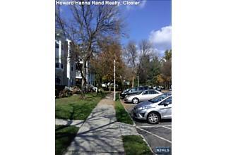 Photo of 401 Poets Way Mahwah, NJ