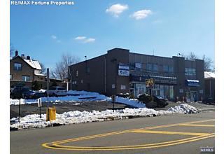 Photo of 432 Bergen Boulevard Ridgefield, NJ