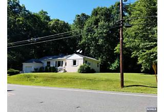 Photo of 80 Sterling Hill Road Sparta, NJ