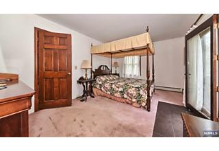 Photo of 121 Hemlock Road Pompton Lakes, NJ