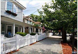 Photo of 337 Undercliff Avenue Edgewater, NJ