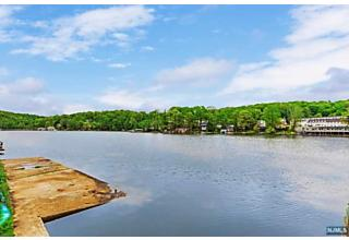 Photo of 468 River Styx Road Hopatcong, NJ