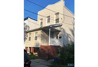 Photo of 433 8th Street Carlstadt, NJ