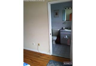 Photo of 2414 5th Street Fort Lee, NJ