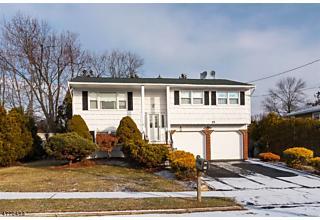Photo of 15 Brewster Pl Mount Olive, NJ 07836
