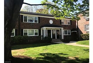 Photo of 211 Pitney Pl Morris Township, NJ 07960