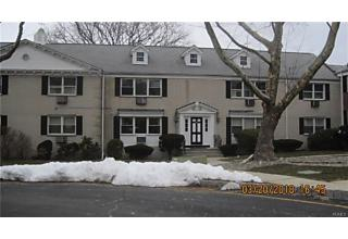 Photo of 10 Oxford Court Suffern, NY 10901