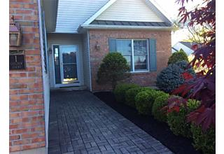 Photo of 1 Guilder Ct Loudonville, NY 12211