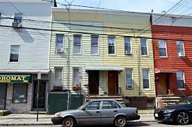 Photo of 131 Griffith St Jersey City, NJ 07307