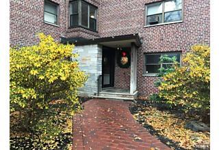 Photo of 3011 Edwin Avenue, Unit 1d Fort Lee, NJ 07024