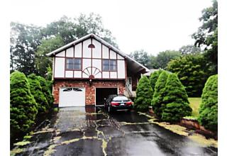 Photo of 67 Middleway Waterbury, CT 06701